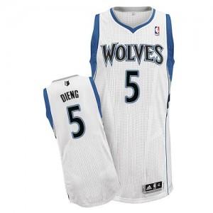 Minnesota Timberwolves Adidas Home Blanco Authentic Camiseta de la NBA - Gorgui Dieng #5 - Hombre