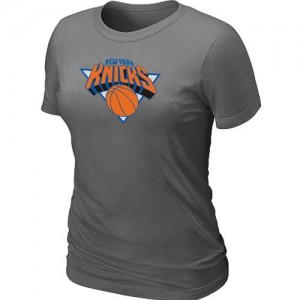 T-Shirts NBA New York Knicks Big & Tall Gris oscuro - Mujer