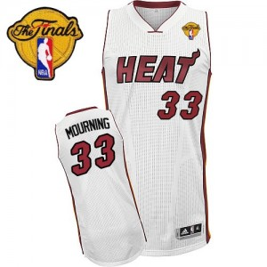 Hombre Camiseta Alonzo Mourning #33 Miami Heat Adidas Home Finals Patch Blanco Swingman