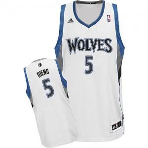 Minnesota Timberwolves Adidas Home Blanco Swingman Camiseta de la NBA - Gorgui Dieng #5 - Hombre